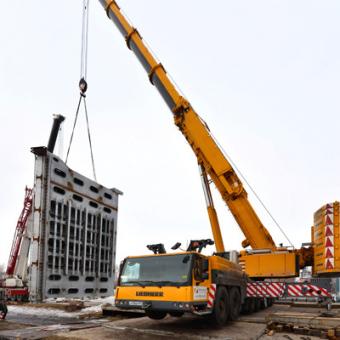 400 тонный автокран Либхер - грузоподъемные работы на объекте Реконструкция Новосибирского шлюза