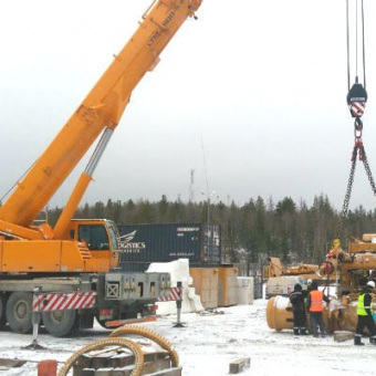 Автокран 100 тонн, сборка карьерного самосвала