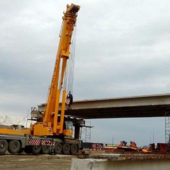 Монтаж мостовых балок, автокран 400 тонн