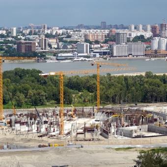 Башенные краны Potain на строительстве Ледового Дворца Спорта в Новосибирске